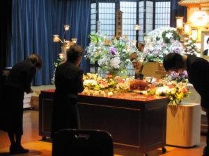 名古屋市緑区 有松斎場 献花