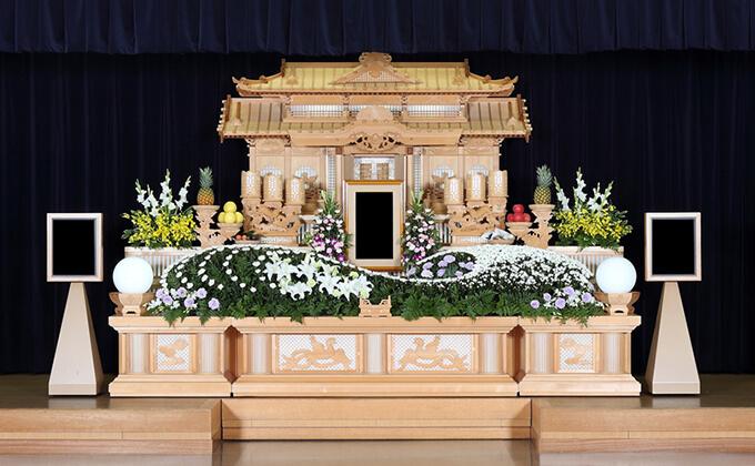祭壇 白木 遺骨を後飾り祭壇に祀る方法を解説!いつまでどこに飾る?